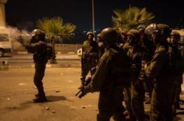 إصابات بينها صحفيون خلال قمع الاحتلال للمصلين في باب الأسباط