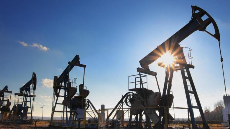 النفط عند أعلى مستوى منذ نوفمبر الماضي