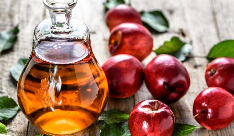 خل التفاح يحارب الانتفاخ ويخفف حرقة المعدة