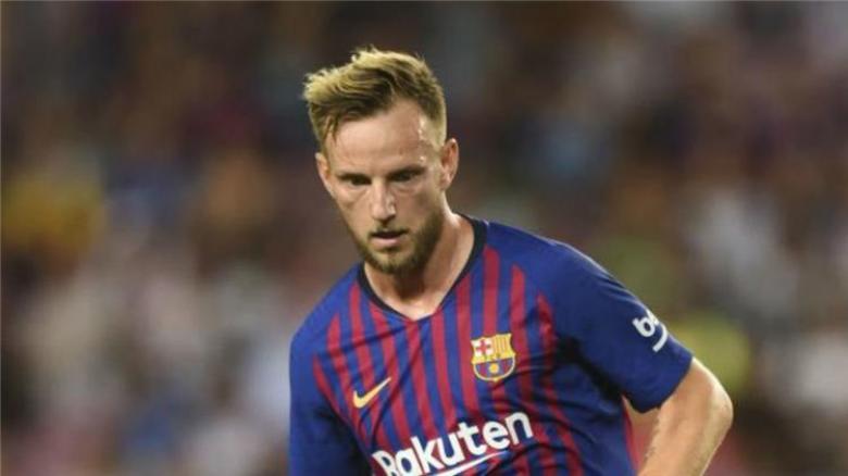 برشلونة ينفي أنباء رحيل نجمه لسان جيرمان