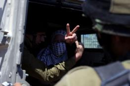 """الاحتلال يعتقل والدة أسير خلال زيارته في """"ريمون"""""""