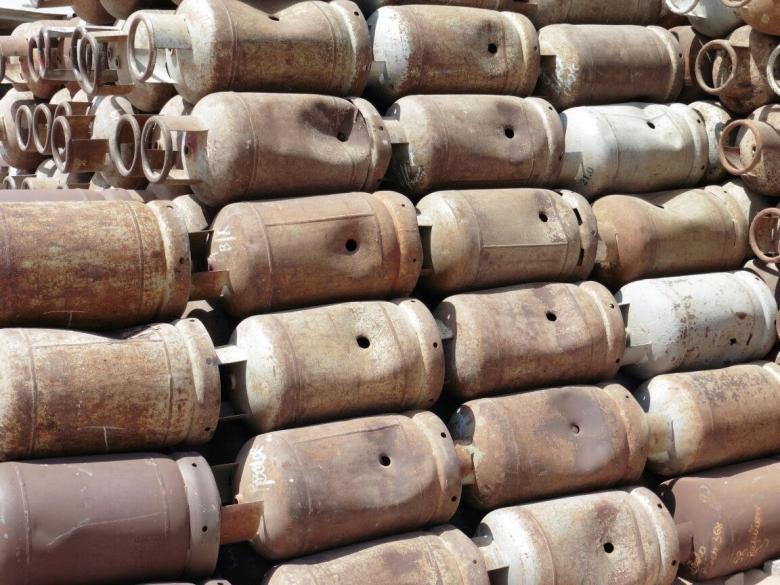 إتلاف 600 أسطوانة غاز في بيت لحم لعدم صلاحيتها