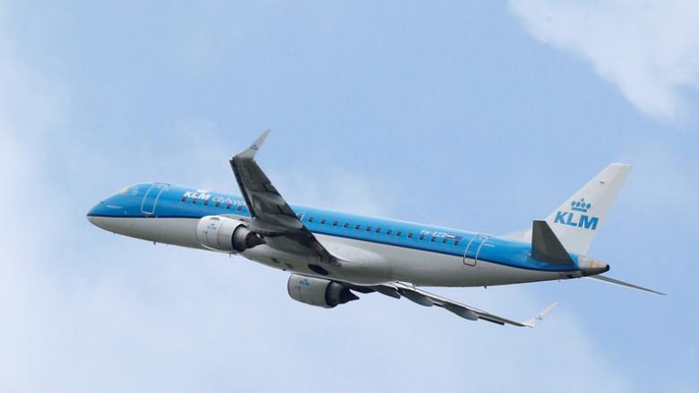 شركات طيران عالمية تتفادى التحليق فوق هرمز