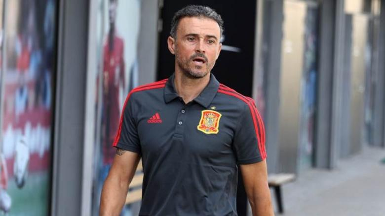 جماهير برشلونة تتهم إنريكي بمحاباة لاعبي ريال مدريد