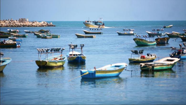 الاحتلال يُحكم حصاره البحري ويحظر الصيد في بحر غزة