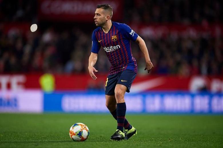 جوردي ألبا يرد بغضب على جماهير برشلونة