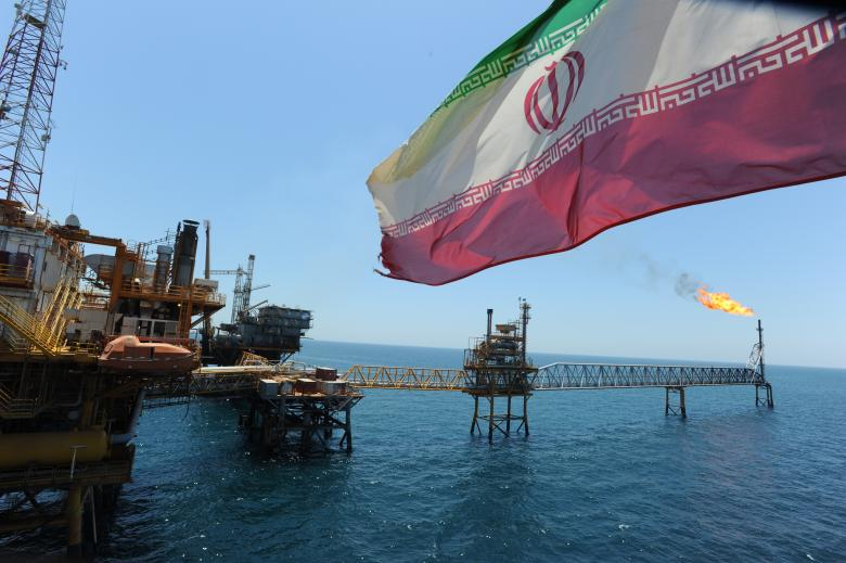 إيران تحصل على استثناء من تخفيض إنتاج النفط