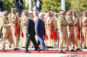 ملك الأردن يستقبل الرئيس محمود عباس