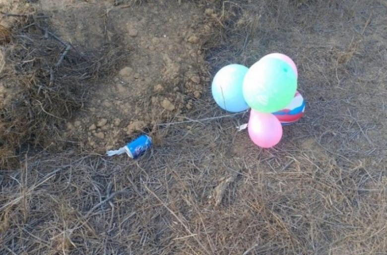 الاحتلال يزعم سقوط بالونات مفخخة بغلاف غزة