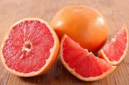 فوائد مذهلة لهذه الفاكهة الحمضية.. تعرّف عليها