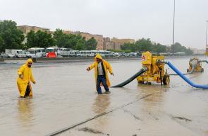 أمطار وفيضانات تغرق الكويت