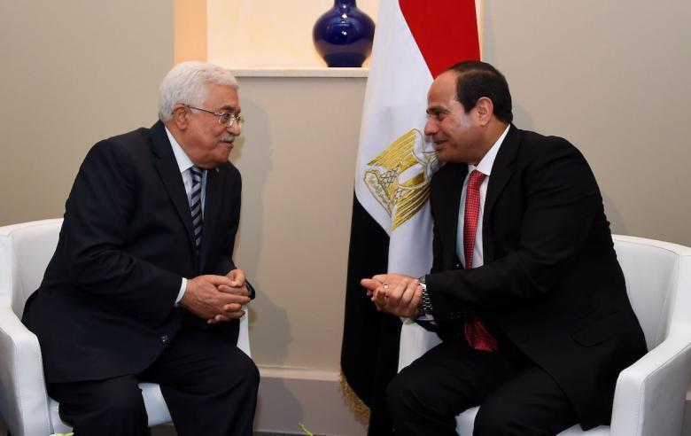تفاصيل لقاء عباس بالرئيس السيسي