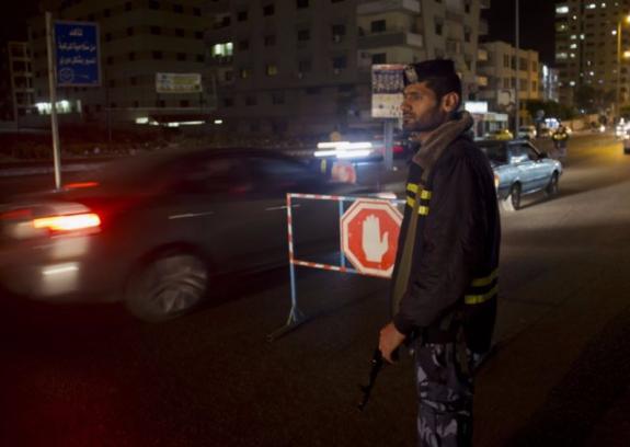 """اعتقال 5 من المشتبه بهم في مقتل الشقيقين """"أبو مدين"""""""