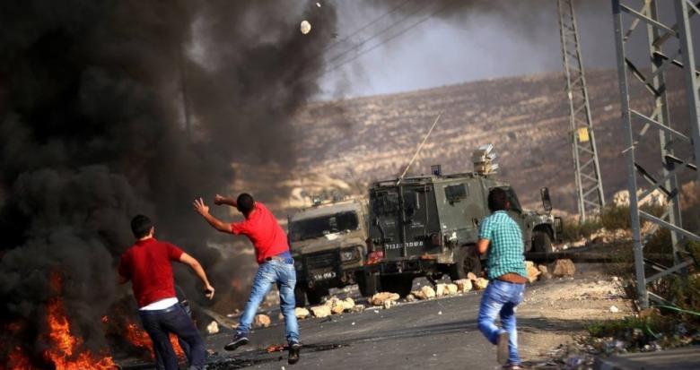 اندلاع مواجهات في 8 نقاط تماس مع الاحتلال بالضفة