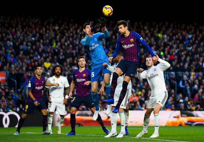برشلونة والريال يرفضان نقل ملعب الكلاسيكو