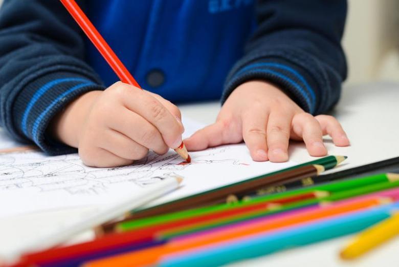 الآثار الايجابيَّة للتلوين عند الأطفال