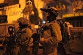 قوات الاحتلال تعتقل ثمانية مواطنين بالضفة