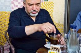 لماذا أصرَّ  ليبرمان على شرب القهوة في الجولان؟