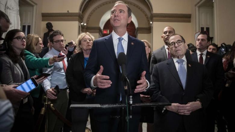 سجال حاد بين الديمقراطيين والجمهوريين مع بدء محاكمة ترامب برلمانيا