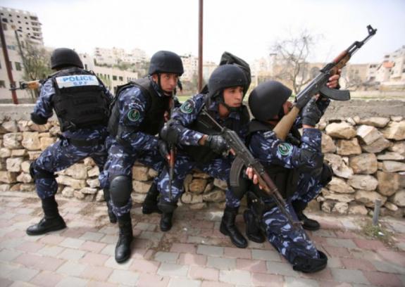 إصابات في اشتباكات بين مسلحين والسلطة بنابلس