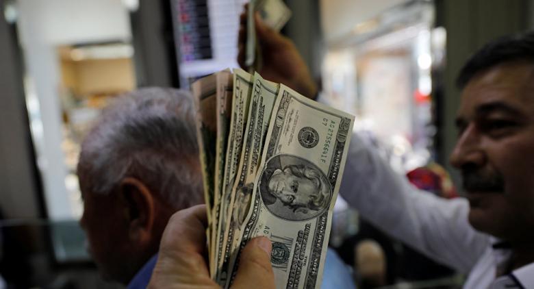 الدولار يسجل أسوأ أداء في 2019 والاسترليني يتراجع