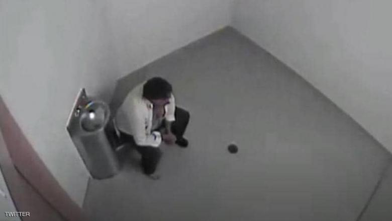 لقطات من الزنزانة تكشف خطأ مخيفا.. والثمن 4.5 مليون دولار