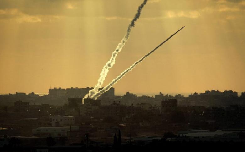 """صحفي إسرائيلي: غزة تتحدى """"إسرائيل"""" في سلوك غير مسبوق"""