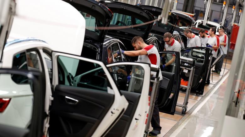 الصين تعلق فرض رسوم إضافية على السيارات الأمريكية