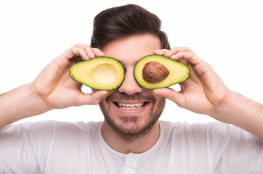 6 فوائد مبهرة يحصل عليها الرجال عند تناول الأفوكادو