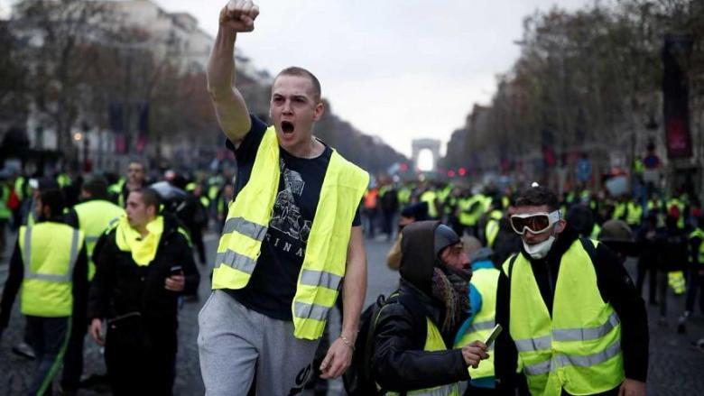 """فيسبوك يحذف صفحة لأحد منظمي احتجاجات """"السترات الصفراء"""""""