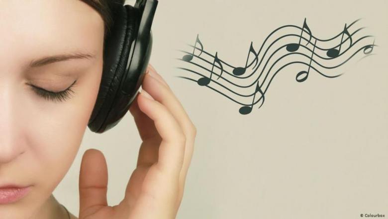 دراسة: الاستماع للموسيقى يمكن أن يخفف آلام مرضى السرطان