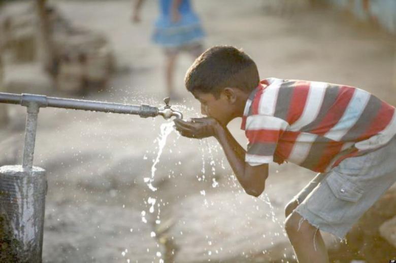 مشروع إسرائيلي لتحسين خط مياه واصل لـقطاع غزة