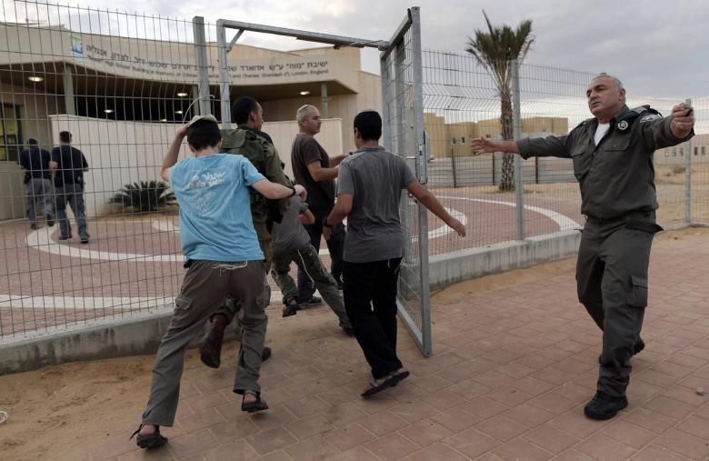 مستوطنو الغلاف: نتنياهو يحتسي القهوة ونحن لا نستطيع مغادرة منازلنا