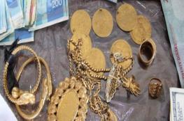 المباحث العامة بخان يونس تنجز قضية سرقة مصاغ ذهبي