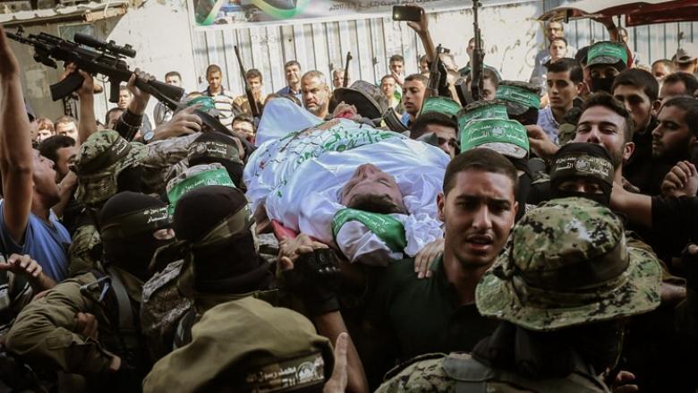 القسام يزف مجاهداً استشهد متأثراً بإصابته قبل سنوات