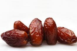 هذا ما يحصل بجسمك إن أكلت حبتين من التمر يوميا