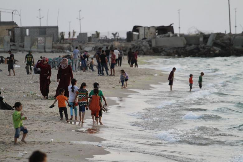 بلدية غزة: البحر شبه خالٍ من المياه العادمة خلال الصيف