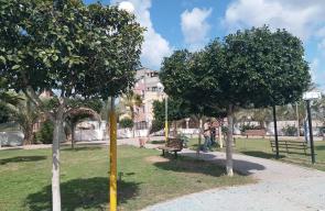 استمرار التجهيزات في متنزه بلدية النصيرات بأرض المفتي