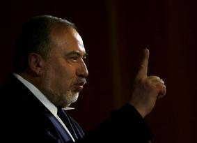 """كيف أصبح ليبرمان الشعبوي صانع ملوك """"إسرائيل""""؟"""