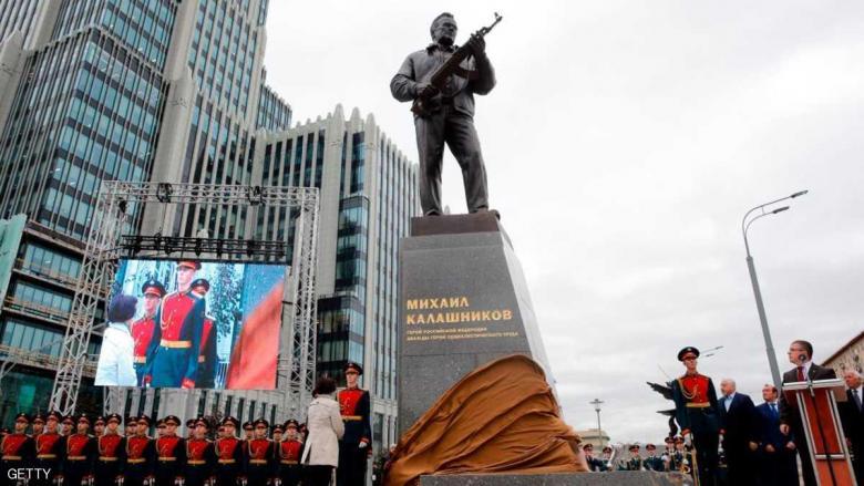 روسيا تخلد مخترع البندقية كلاشنيكوف