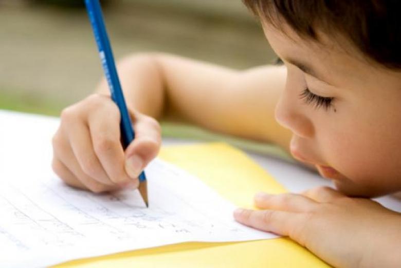 من طفل فاشل إلى طفل ناجح: هكذا يؤثر صوتك على طفلك!