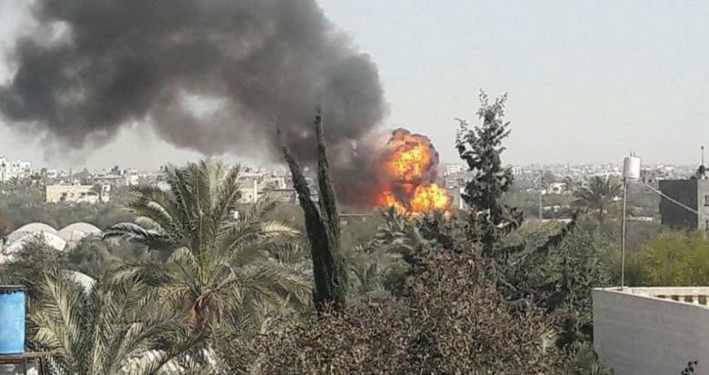 اندلاع حريق ضخم بمحطة للغاز المنزلي بخانيونس