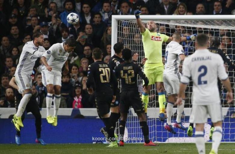 حارس نابولي يتمسك بالأمل ويشيد بثنائي ريال مدريد