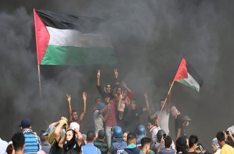 """هآرتس: حماس تحاول انتزاع تنازلات من """"إسرائيل"""""""