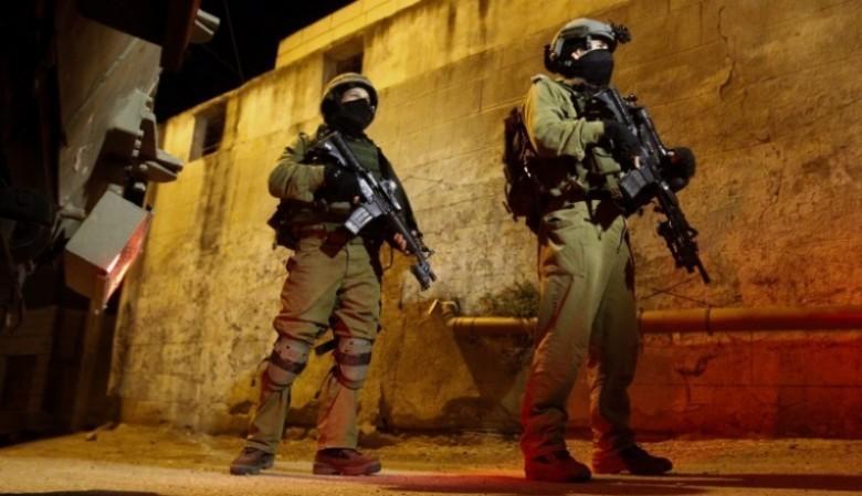حملة اعتقالات وتفتيش بالضفة الغربية المحتلة