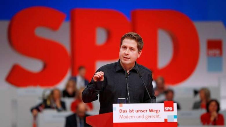 شاب يحمل في يديه مستقبل ألمانيا!