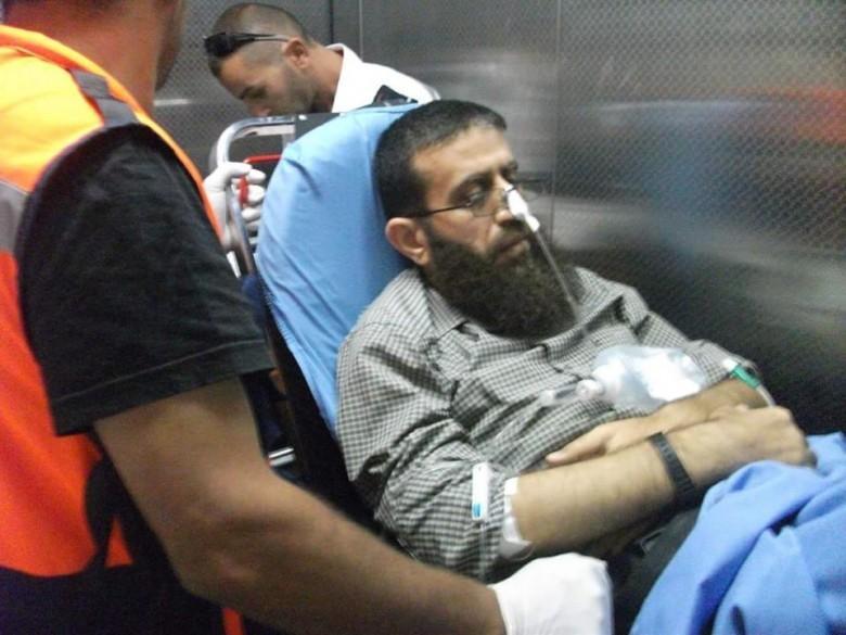 نادي الأسير: الأسير عدنان يتقيأ الدم باليوم الـ50 لإضرابه