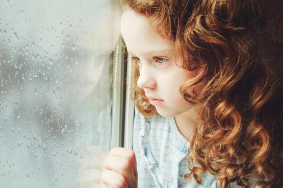 أسباب اكتئاب الطفل؟