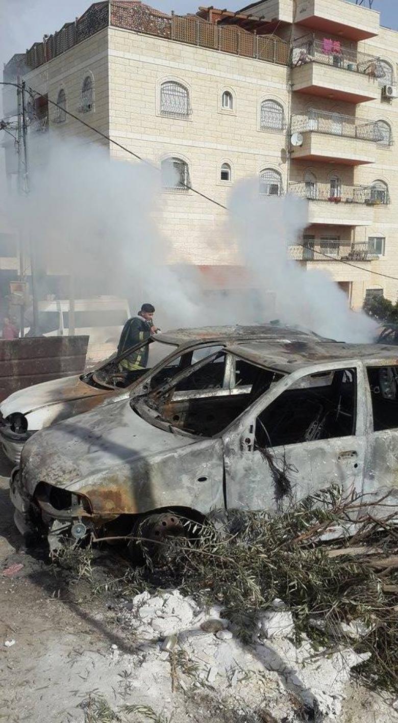 إخماد حريق التهم 3 مركبات شرقي القدس