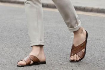 أفضل الصنادل والأحذية المفتوحة لصيف 2019